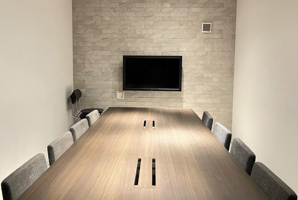 1階 ミーティングルーム1 (最大:8名)